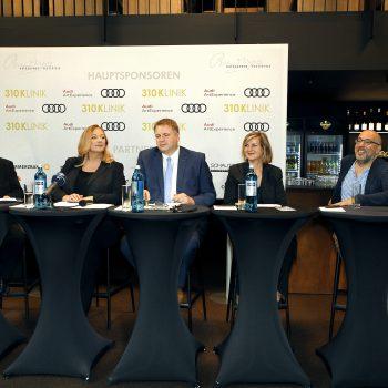 Foto Eröffnungspressekonferenz 24.7.2017: v.l.n.r. Peter Emmerich, Katharina Wagner, Holger von Berg, Dr. Marie Luise Maintz, Barry Kosky